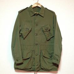 CANADIAN ARMY OLIVE JUNGLE JACKET Size: About S