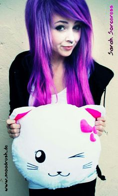 i want that color for my hair! and the hair cut!