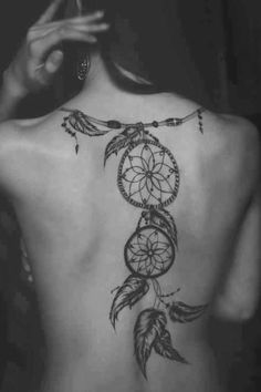 When it comes to tattoos for women, Dreamcatcher tattoo designs are second to none. They come in a wide variety of shapes, sizes and colour. Continue reading to find out some of the most loved and best dreamcatcher tattoo designs. Cute Tattoos, Beautiful Tattoos, Body Art Tattoos, Girl Tattoos, Amazing Tattoos, Ladies Tattoos, Female Back Tattoos, Woman Tattoos, Small Tattoos