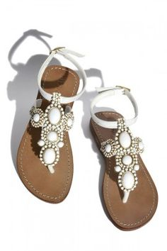 Perfect summer sandal....this would be beautiful for warm weather and a pretty outfit