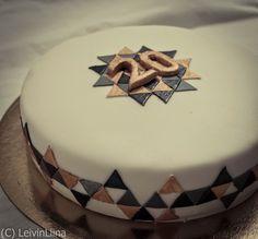 LeivinLiina: Trendikäs 20-vuotiskakku / Trendy 20-Year Cake