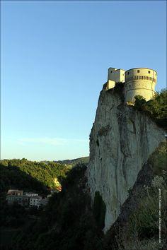 San Leo castle (Italy). Photo by Massimo Cozzi