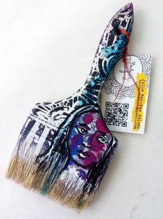 Such a cool art painting idea- Julie brush- Paint Brush Art, Paint Brushes, High School Art, Middle School Art, Art Journal Techniques, Julie, Book Projects, Art Club, Home Decor Wall Art