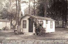 These were just torn down last year. They were enshrouded by overgrowth. 441 a mile south of Ocala ~K Old Florida, Vintage Florida, Camping New Zealand, Cypress Swamp, Hotel Motel, Camping World, Camping With Kids, Vacation Trips, Vacations