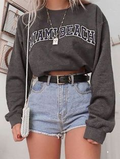 vintage outfits for teens \ vintage outfits Teen Fashion Outfits, Retro Outfits, Cute Casual Outfits, Outfits For Teens, Stylish Outfits, Fashion Fashion, Cute Vintage Outfits, Fashion Trends, Cute Everyday Outfits