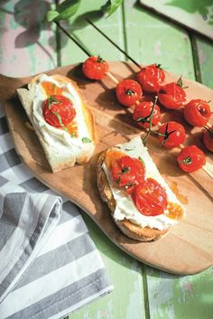Nothing beats a home-grown tomato, right? Celebrate your harvest with these lovely BBQ'd cherry tomato skewers served on sour dough bread. Bbq Skewers, Cherry Kitchen, Sweet Cherries, Sourdough Bread, Fruits And Vegetables, Cherry Tomatoes, Recipe Ideas, Beats, Harvest