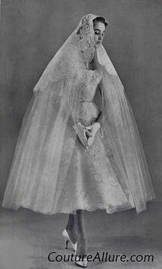 demure '50s bride... interesting veil, gloves