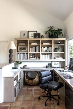 You won't mind getting work done with a home office like one of these. See these 20 inspiring photos for the best decorating and office design ideas for your home office, office furniture, home office ideas Home Office Space, Home Office Desks, Home Office Furniture, Rustic Furniture, Small Office, Furniture Ideas, Office Chairs, Furniture Stores, Cheap Furniture