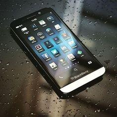#inst10 #ReGram @abdo_elbarissi: #My #Best #phone #BlackBerry #Z30 #amazing #phone #photo #pictche #awesome #photography #lovely l #BlackBerryClubs #BlackBerryPhotos #BBer #BlackBerryZ30 #Z30 #BlackBerryCases #Cases #Leather
