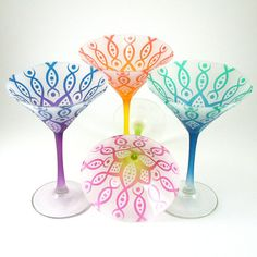 OK, it's settled, I want these flowered martini glasses for Mother's Day. And the pitcher of cosmos to go with!