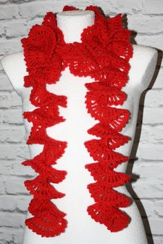 Crochet red ruffle scarf  #crochet #crocheted #shawl #etsy #etsyshop, #etsyseller, #handmade #boho #neckwarmer #makatarina #crochetshawl #crochetscarf #cozyshawl #wintershawl #warmscarf #curlyscarf #rufflescarf