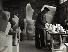 Jean Arp in his studio   (photo by Ida Kar, late 1950's, National Portrait Gallery, London.)