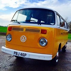 aircooledappreciation:A recent member to the East Coast Classics family, welcome Fleur! ☀️ #vw #volkswagen #volksworld #aircooled #camper #campervan #eastcoastclassics http://on.fb.me/1DENHyE