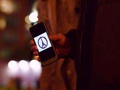 Le Figaro - La nuit des attentats, les réseaux sociaux ont accompagné les Français durant des heures pour s'informer, s'organiser, témoigner et se rassurer. Retour sur une nuit de mobilisation exceptionnelle, minute par minute.