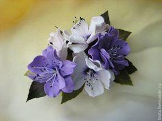 Купить Букетик-брошь из фоамирана . Бело-сиреневые цветы - сиреневый, белый, брошь с цветами