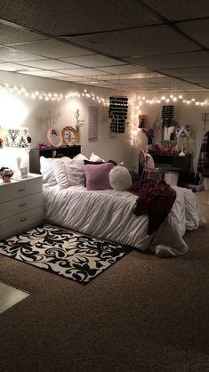 Dream bedrooms for teenage girl teen girl rooms a dream rooms a bedroom cozy bedroom bedroom apartment bedroom decor bedroom ideas dream bedrooms for College Bedroom Decor, Small Room Bedroom, Small Rooms, Dream Bedroom, Living Room Decor, Bedroom Desk, Dorm Room, Diy Bedroom, Bedroom Inspo