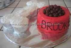 Coolest Dog Birthday Cake Recipes Dog bowl cake– dog bone made from cupcakes; this would be fun to make with kids for our party. Puppy Birthday Parties, Puppy Party, Dog Birthday, Birthday Ideas, Happy Birthday, Creative Birthday Cakes, Birthday Cake Pops, Dog Bone Cake, Bowl Cake