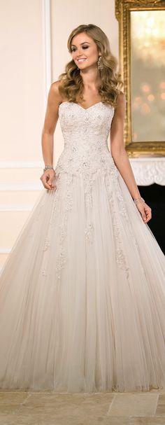 stella-york-fall-2015-wedding-dress-6026_alt1_zoom - Belle The Magazine
