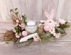 April Easter, Easter Flowers, Easter Table Decorations, Display Boxes, Easter Crafts, Flower Arrangements, Birthday Parties, Centerpieces, Floral