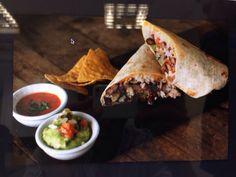 Burritos de pollo con guacamole y salsa chipotle en BANG BANG Barcelona Bang Bang, Chipotle, Guacamole, Salsa, Barcelona, Tacos, Mexican, Ethnic Recipes, Food