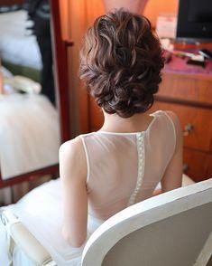 Hairdo Wedding, Bridal Hair Updo, Bridal Makeup, Up Styles, Hair Styles, Bride Hairstyles, Wedding Planning, Weddings, Instagram