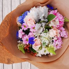 Saturdays are the perfect day for a trip to the farmers market to get fresh flowers and food for a picnic.