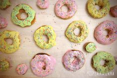 At least one donut must be eaten on Fat Thursday. We can do this without guilty conscience by preparing baked doughnuts with a hole made of wholegrain flour. They are tasty and much healthier than their traditional version. They will also work without holidays.