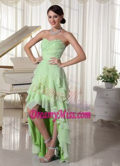 really pretty dress!!
