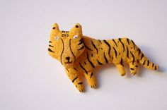 Adatine toys and accessories shop(Etsy の adatine より) Lino Natural, Natural Linen, Handmade Toys, Handmade Crafts, Brave, Year Of The Tiger, Tiger Love, Hand Knit Scarf, Fabric Jewelry
