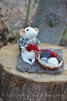 Little Momma Knitting Mouse Felting Dreams von feltingdreams, $88.00