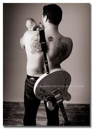 Newborn Picture for a Daddy that Plays Guitar. <3 -- awww!! such a cute idea (:  Wish I would have thought of this for Garry & kids