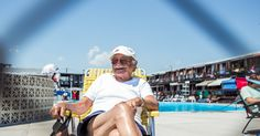 A Beach Club in Queens Where Every Summer Is the Same - The New York Times