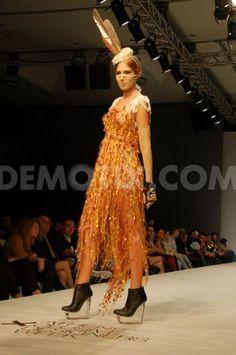 Celebrity Skin, Sari, Celebrities, Dresses, Fashion, Saree, Vestidos, Moda, Celebs