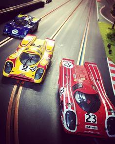 BRM battle #slotcar #slotcars #slotracing #brmslot #1/24#molettaring#porsche917#lemans#winner#porsche#ferrari512