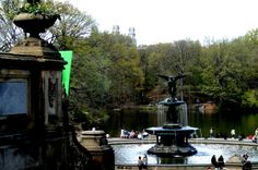 Fountain in Central Park - New York - photo by Sandy Robert