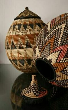 African Zulu Handwoven Baskets - Ukhamba, are traditionally woven by the bride-to-be or given to the new couple as wedding gifts. During the Zulu wedding, the baskets will be used to hold ceremonial beer. African Design, African Art, Basket Weaving, Hand Weaving, Woven Baskets, Zulu Wedding, African Interior, Boho Home, Home And Deco
