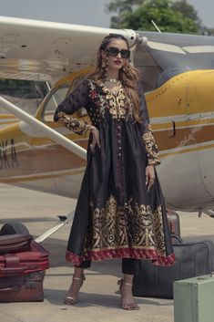 Ethnic by Outfitters Fancy Winter Dresses Casual Shirts Designs 2020 Collection consists of linen khaddar shawl dresses, velvet suits, stitched kurtis Suit Shirts, Casual Shirts, Winter Dresses, Casual Dresses, Boutique Shirts, Winter Suit, Velvet Suit, Pakistani Wedding Dresses, Shirt Designs