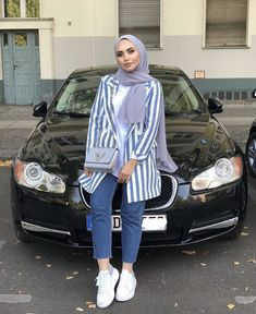 Fresh hijab outfit ideas – Just Trendy Girls Photography Subjects photographic subjects inspiration Hijab Fashion Summer, Modern Hijab Fashion, Street Hijab Fashion, Hijab Fashion Inspiration, Muslim Fashion, Fashion Fashion, Casual Hijab Outfit, Hijab Chic, Hijab Jeans