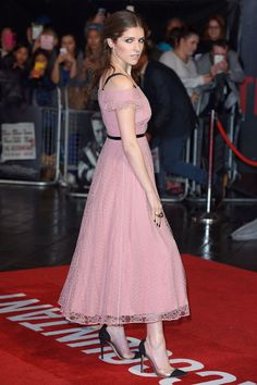 The Accountant premiere, London – October 17 2016  Anna Kendrick paired her Burberry dress with jewellery by Ara Vartanian