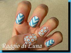 Raggio di Luna Nails: Blue & white chevron with flowers