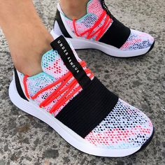 Under Armour Free Delivery - Under Armour Breathe Lace Training Shoes in White and Neon Coral