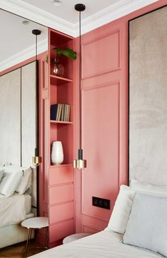 bedroom | built in storage | accent color | salmon pink | neutral wall | interiors | Apartamento Colorido e Glam | Casa de Valentina