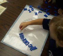 Lots and lots of alphabet ideas plus printable ABC arcs Preschool Literacy, Preschool Letters, Learning Letters, Literacy Activities, Kids Learning, Kindergarten Language Arts, Kindergarten Centers, Kindergarten Reading, Teaching Reading