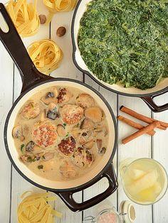 Pulpeciki w sosie pieczarkowo-śmietanowym i szpinak w sosie maślano-śmietanowym - pomysł na domowy obiad - pyszny, sycący i niedrogi :)