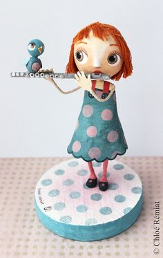 The flutist original doll MIA for Avenue Mandarin by chloeremiat Paper Mache Diy, Paper Mache Sculpture, Quilling Paper Craft, Paper Crafts, Ooak Dolls, Art Dolls, Best Baby Doll, Clothespin Dolls, Paperclay