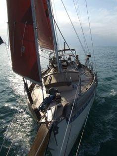 Falmouth Cutter 22 : A Surprisingly Small Cruising Sailboat