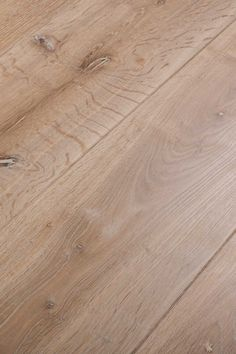 The Original Chapel Parket collection that started it all. And it is still as popular as ever. Timeless. Beautiful. At home in every environment. The planks have a unique planed surface that ensures a warm, natural appearance.
