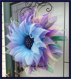 35 Fabulous DIY Home Front Door Decorating Ideas For Awesome ImpressionsThe front door of our house is the beginning someone will judge our house when going in. And giving decoration to the main front door in your house is one of the right ideas to g Wreath Crafts, Diy Wreath, Wreath Ideas, Tulle Crafts, Wreath Making, Front Door Decor, Wreaths For Front Door, Mesh Wreath Tutorial, Summer Wreath