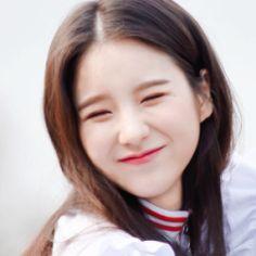 don't text me ♡ layouts - jeon heejin Kpop Girl Groups, Korean Girl Groups, Kpop Girls, Cute Girls, Cool Girl, Uzzlang Girl, Olivia Hye, Wattpad, Just Girl Things