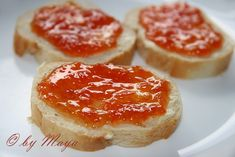 Ingrediente:    4 grapefruit rose 450 g zahar 1 portocala 1 lamîie 1 pastaie de vanilie      Nota Ingrediente:    -din grapefruits am ... Retro Pink Kitchens, Canning Pickles, Romanian Food, Romanian Recipes, Meals In A Jar, Canning Recipes, Jelly, Cheesecake, Juicing